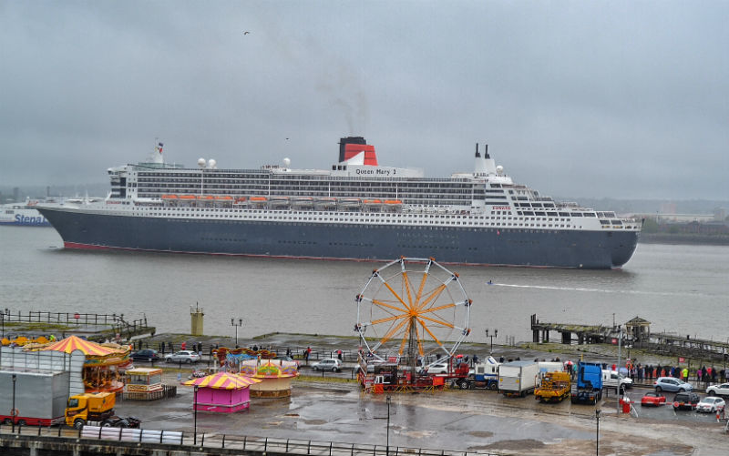 15-06-16 Queen Mary 2 from Peel Liverpool Waters quaysides 08 10 18