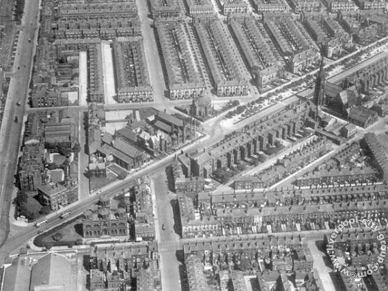Black and white aerial photo of the well planned grid of grand Victorian townhouses and avenues that made up Toxteth, Liverpool 8 during the 1930s.